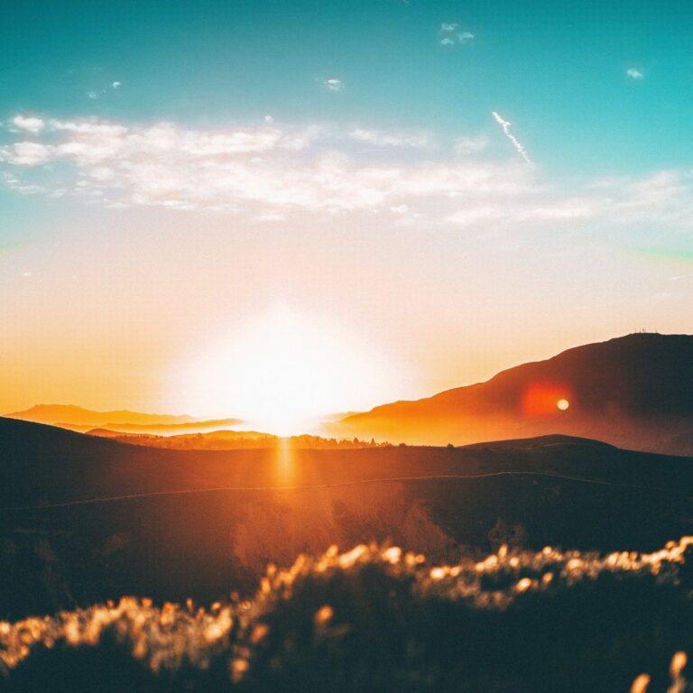 solnedgang over horisonten